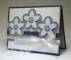 Triple Treat Flower in blues & white