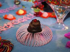 Além de adoçar a boca dos brothers, bolinhos diversos dão sabor e cor à mesa da Festa Amarelinha
