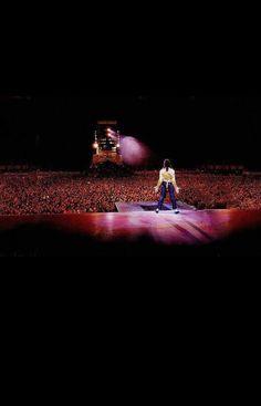 Michael behind - Page 15 - Michael Jackson - Forum