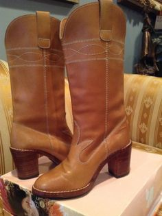 VINTAGE Women's 1970 HIPPIE BOHO TALL LEATHER Boots, CHUNK Heel, Saddle TAN, 6B #Unbranded #VintageBoho #AllOccasion