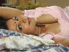 Desi Halwa - Page 236 - Xossip Sexy Asian Girls, Indian Girls, Ebony Hair, Aunty Desi Hot, Smart Girls, South Actress, Indian Beauty Saree, Beautiful Curves, Beautiful Women