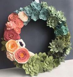 Handmade Home Decor Felt Flower Wreaths, Felt Wreath, Diy Wreath, Felt Flowers, Diy Flowers, Fabric Flowers, Paper Flowers, Wreath Ideas, Flower Colors
