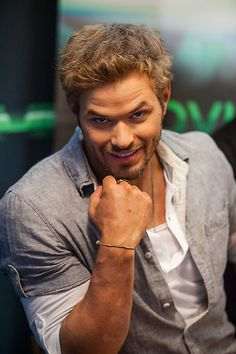 Dr. Nick Franklin*******************Dream Cast Kellan Lutz