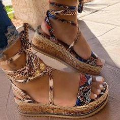 Boty - Dámské oblečení - Móda | PoštovnéZDARMA.cz Sexy Sandals, Summer Sandals, Fashion Sandals, Women Sandals, Summer Shoes, Wedge Sandals, Wedge Shoes, Shoes Sandals, Flats