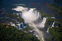 this place is suppose to be amazing! Iguassu Falls where Brazil, Argentina and Paraguay border.