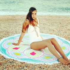 Limitted edition of round beach/picnic towels.   A must accessory for you beach/cruise holiday