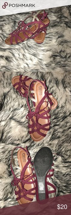 Carlos Santana Belle Sandals Brand new super cute burgundy sandals Carlos Santana Shoes Sandals