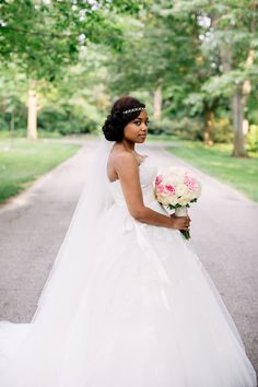 Love this gorgeous dress from this bride…dress designer: Brides by Demetris… Photography: Angel Canary Photography
