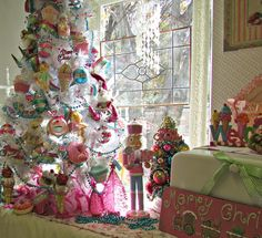 Penny's Vintage Home: DIY- Candy Land Christmas Tree