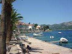 A travel guide to Croatia's Peljesac Peninsula, a stunning landscape which is one hour's drive north of Dubrovnik. Croatia Itinerary, Croatia Travel Guide, Travel Guides, Travel Tips, Dubrovnik, Things To Do, Landscape, Beach, Scenery