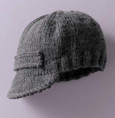 De l'uni et du jersey pour cette casquette tricotée dans un fil classique et très doux. Un modèle d'accessoire à décliner à volonté pour l'hiver des pitchouns. Réalisée en Laine PARTNER 6 coloris minerai.