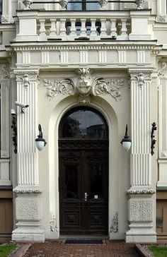 Look Up Architecture - Door Surround Neoclassical Architecture, Classic Architecture, Architecture Drawings, Architecture Details, Dark Doors, Windows And Doors, Baroque, Le Riad, Front Door Entryway