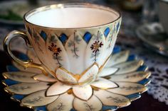 Love how the pattern on the saucer continues up the cup in this lovely Lotus tea cup Lotus Tea, Cuppa Tea, Teapots And Cups, China Tea Cups, My Cup Of Tea, Vintage China, Vintage Teacups, Tea Cup Saucer, High Tea