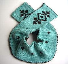 Doubleknit patterned scarf. Great color  combination, love the pattern.