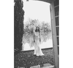 Interview de la créatrice de robe de mariée Donatelle Godart http://www.vogue.fr/mariage/portrait/diaporama/rencontre-avec-donatelle-godart/21443/image/1117837#!6