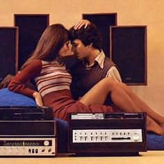 Hi-Fi Heaven: Stereo & Record Player Advertising - retro pin Vintage Advertisements, Vintage Ads, Vintage Posters, Print Advertising, Advertising Campaign, Print Ads, Retro Record Player, Record Players, Radios
