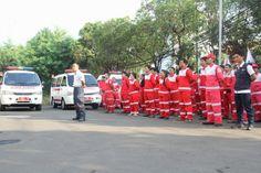 Sukarelawan PMI dan Tim Ambulan PMI #KamiSiapBantu dalam Apel Siaga Lebaran 2015 (9/7)