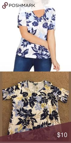 """Karen Scott plus size Top Karen Scott plus size printed -Floral Tee size 1X . Material : cotton / polyester . Color : white / blue / yellow . Measurements: bust 46"""" , length27"""" Karen Scott Tops Tees - Short Sleeve"""