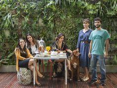 Equipe reunida para foto do anuário.