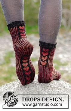 Ravelry: Queen of Hearts Socks pattern by DROPS design Knitting Patterns Free, Free Knitting, Knitting Socks, Baby Knitting, Crochet Patterns, Crochet Socks, Knit Mittens, Knit Crochet, Knit Socks