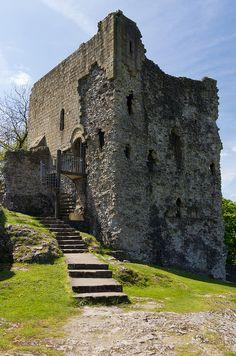 ˚Peveril Castle Keep - Derbyshire, England