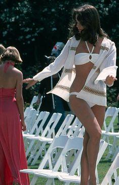 Jaclyn Smith Charlie's Angels, Top 10 Beautiful Women, Jill Kelly, Jacklyn Smith, Jennifer Aniston Hot, Bikinis, Swimsuits, Kate Jackson, Angel Outfit