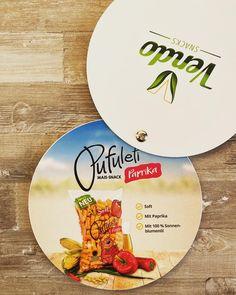VENDO Pufuleti Paprika 85g 🌶  Mit Sonnenblumenöl 🌻🌻🌻 #vendosnacks #snacks #paprika #kids #family #österreich #sonnenblumenöl #healthyfood #health Plates, Snacks, Tableware, Kitchen, Instagram, Noel, Red Peppers, Licence Plates, Dishes
