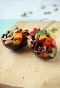 Flourishing Foodie: Black Bean Avocado Salad (I'd skip the veggie bacon altogether or sub the real thing) Avocado Recipes, Fruit Recipes, Veggie Recipes, Vegetarian Recipes, Cooking Recipes, Healthy Recipes, Cooking Tips, Avocado Food, Bean Recipes