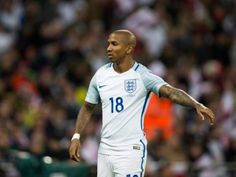 Manchester United to assess Ashley Young after England injury