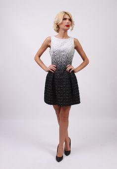 Black and white dress/Rochie eleganta scurta/Material ~ bumbac negru cu alb tesut in 2 straturi si cu fire negre lucioase in relief