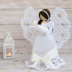 Billedresultat for attys crochet christmas angels Angel Crochet Pattern Free, Crochet Angels, Crochet Flower Patterns, Crochet Doll Pattern, Crochet Dolls, Doll Patterns, Crochet Flowers, Free Pattern, Knitting Patterns
