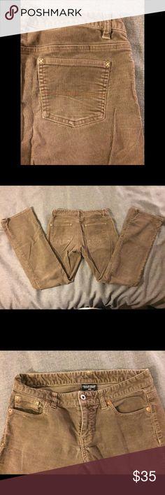 Ralph Lauren Chords! Size 4 Ralph Lauren Cords!! New condition. Size 4 Inseam 31 1/2 Length 38 Rise 7 1/2 Waist 15 Leg 8 Ralph Lauren Jeans