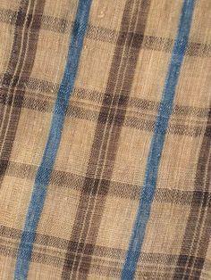 detail of KOSHI BASHO-FU KIMONO. HAND-KNOTTED, HANDWOVEN  BASHO-FU BANANA FIBER  縦横縞:てぃかち 縦縞:琉球藍、木綿  BROWN WARP/WEFT STRIPES:     TIKACHI (Rhaphiolepis umbellata)  BLUE COTTON WARP STRIPES:     RYUKYU INDIGO (Strobilanthes cusia)  LATE 19C/EARLY 20C