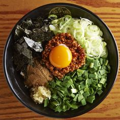 Products that have been inspired by the Taiwan Mazesoba.To eat a mix of noodles and soup and ingredients.Flavor of the pork is so good.   #ramen  #ramennoodle #tonkotu #taiwan