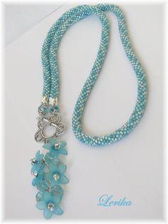 Bead crochet rope necklace in lariat style Bead Jewellery, Beaded Jewelry, Handmade Jewelry, Beaded Bracelets, Bead Earrings, Jewelry Patterns, Bracelet Patterns, Bead Crochet Rope, Bracelets