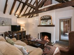 Enjoy a cottage holiday at Castle Farm - The Buttery. The Norfolk coast can be easily reached from this property, with the resorts of Cromer, Hunstanton and Great Yarmouth nearby. Cosy Lounge, Open Fires, Cabin Rentals, Open Plan, Ideal Home, Castle, Relax, Living Room, Cottages