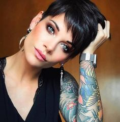 Today we have the most stylish 86 Cute Short Pixie Haircuts. We claim that you have never seen such elegant and eye-catching short hairstyles before. Pixie haircut, of course, offers a lot of options for the hair of the ladies'… Continue Reading → Short Hairstyles For Thick Hair, Short Brown Hair, Haircuts For Fine Hair, Haircut For Thick Hair, Short Pixie Haircuts, Short Hair With Layers, Haircuts With Bangs, Haircut And Color, Short Hair Cuts For Women