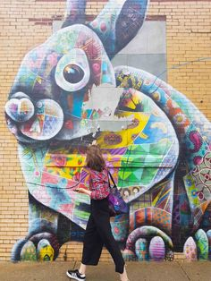 Niente musei, l'arte si vive in strada. Le incredibili opere di street art a Bushwick rendono questo quartiere di Brooklyn uno dei più creativi al mondo.