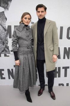 PARIS, FRANCE - FEBRUARY Olivia Palermo and Johannes Huebl attend the Christian Dior show as part of the Paris Fashion Week Womenswear Fall/Winter on February 2018 in Paris, France. (Photo by Stephane Cardinale - Corbis/Corbis via Getty Images) Olivia Palermo Outfit, Olivia Palermo Lookbook, Olivia Palermo Style, Milan Men's Fashion Week, Paris Fashion, Winter Fashion, Street Fashion, Men Fashion, Paris Chic
