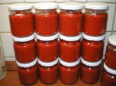 Paprikakrém - pirosarany - hetszinvilag.lapunk.hu Ketchup, Hot Sauce Bottles, Food, Meals, Yemek, Eten