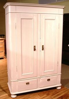 still love a beautiful armoire for the flat screen!