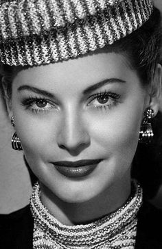 Ava Gardner...Love everything about this classy look!