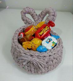 Quem não gosta de chocolate e com uma cesta linda junto?