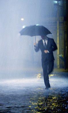 tocar la lluvia caer
