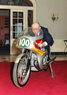 Soichiro Honda, the man who started it all! Founding the greatest motorcycle (and possibly cars as well) on the planet! Vintage Honda Motorcycles, Honda Bikes, Racing Motorcycles, Motorcycle Bike, Soichiro Honda, Gp Moto, Best Motorbike, Honda Cub, Bike Poster