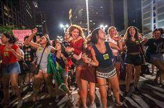 Os golpistas não dormem esta noite, dia de Tiradentes. Milhares ocuparam hoje (21) a Avenida Paulista, em São Paulo, contra o golpe. A manifestação foi espo