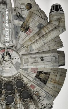 View source image Star Wars Day, Star Trek, Millennium Falcon Model, Han Solo And Chewbacca, Nave Star Wars, Cuadros Star Wars, Star Wars Spaceships, Star Wars Design, Star Wars Vehicles