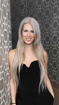 62 trendy Ideas for hair silver grey sarah harris Grey Hair Don't Care, Long Gray Hair, White Ombre Hair, Ombre Hair Color, Grey Hair Inspiration, Ageless Beauty, Going Gray, Hair Photo, Silver Hair