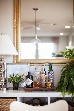 Style At Home: Liz Bachman Of Grey & Scout design decorating before and after home design Bar Cart Decor, Bar Cart Styling, Style At Home, Room Inspiration, Interior Inspiration, Bandeja Bar, Bar Sala, Bar Tray, Mini Bars