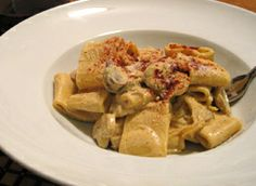 Mushroom Monday: Creamy Porcini and Button Mushroom Pasta